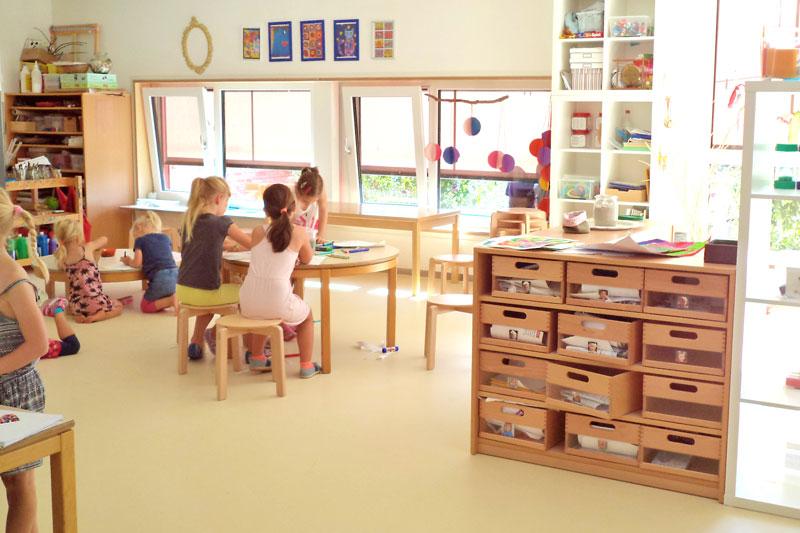 Willkommen mit gott gro werden for Raumgestaltung atelier kita